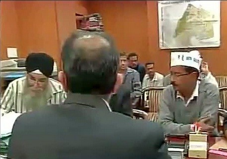 Delhi CM Arvind Kejriwal (extreme left)