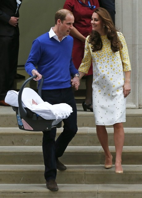 Royal baby photos,first photos of baby princess,kate middleton,prince willaim,prince george,photos of royal baby