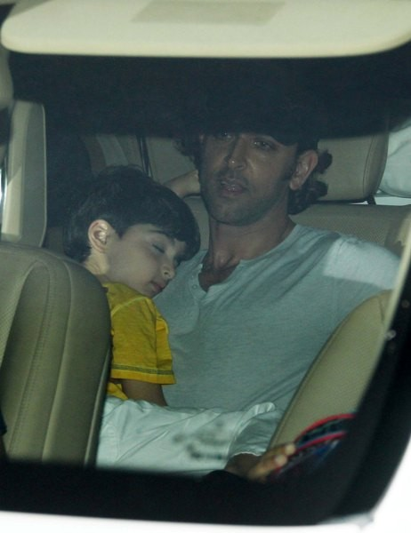 Hrithik Roshan with sons at special screening of 'X-Men: Days of Future Past'