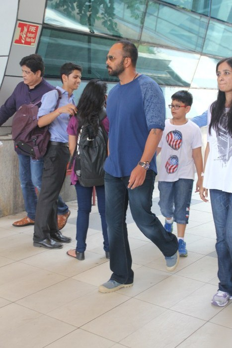 Rohit Shetty Spotted At Domestic Airport,Rohit Shetty,actor Rohit Shetty,Rohit Shetty pics,Rohit Shetty images,Rohit Shetty photos,Rohit Shetty stills,Rohit Shetty latest pics