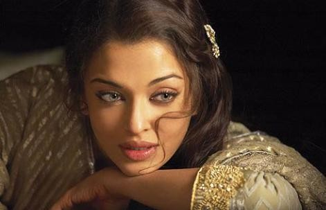 Aishwarya Rai Bachchan, Kareena Kapoor Khan, Rani Mukerji and Other Actresses who became Hookers On-Camera