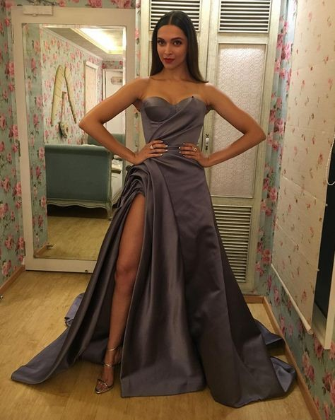 Deepika Padukone Beats Priyanka Chopra To Become Sexiest -3036
