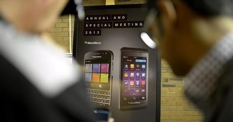 Blackberry Slashes Z30 Price To ₹34,990