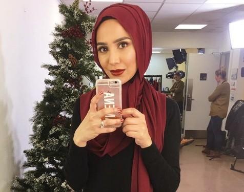 British beauty blogger Amena Khan