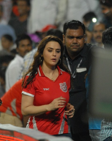 Preity Zinta,actress Preity Zinta,Preity Zinta at IPL,ipl 2015,ipl cricket,co-owner of Kings XI Punjab,Preity Zinta co-owner of Kings XI Punjab,Kings XI Punjab,Delhi Daredevils,Preity Zinta pics,Preity Zinta latest pics