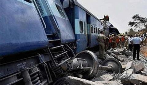 Muri Express derails in Uttar Pradesh,Muri Express,train accident,Sirathu station,Muri Express derails,Muri Express - 18102,Muri Express 18102