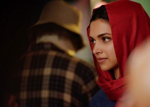 Piku,Piku movie stills,piku pics,Deepika Padukone in piku,Deepika Padukone,Amitabh Bachchan,Amitabh Bachchan in piku movie