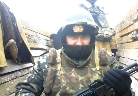 Russian Soldiers dressing up as Ukrainian Army