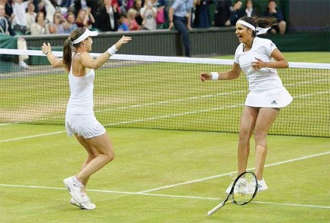 Sania Mirza,Martina Hingis,Sania Mirza-Martina Hingis,Wimbledon 2015,Sania Mirza-Martina Hingis win women's doubles title,Sania Mirza creates history,Martina Hingis and Sania Mirza,women's doubles title