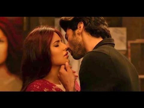 Longest liplock ever,Longest liplock,liplock,Aditya and Katrina long kiss,Aditya and Katrina lip lock,Aditya Roy Kapur,Katrina Kaif,Katrina Kaif lip lock,Fitoor