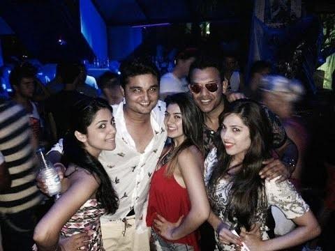 Indian Celebs Caught Drunk,Celebs Caught Drunk,Celebs Drunk,Celebs Caught drinking,Caught drinking