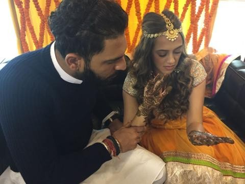 Yuvraj Singh and Hazel Keech,Yuvraj Singh and Hazel Keech wedding,Yuvraj Singh and Hazel Keech marriage,Yuvraj Singh wedding,Yuvraj Singh marriage,Yuvraj Singh and Hazel Keech's Mehendi Ceremony pictures,Yuvraj Singh Mehendi Ceremony pictures,Hazel K
