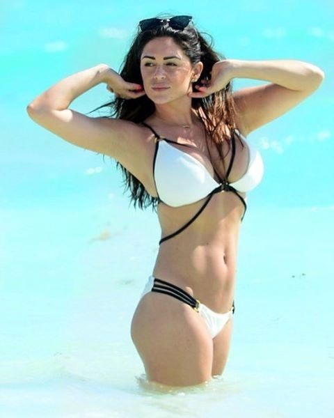 Casey Batchelor,Casey Batchelor flaunts her ample assets,Casey Batchelor ample assets,Casey Batchelor hot pics,Casey Batchelor hot images,Casey Batchelor hot stills,Casey Batchelor hot photos,Casey Batchelor hot pictures,Casey Batchelor bikini,Casey Batch