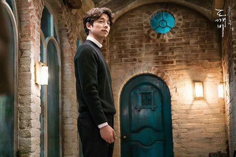 Lee Dong Wook reprimands fan
