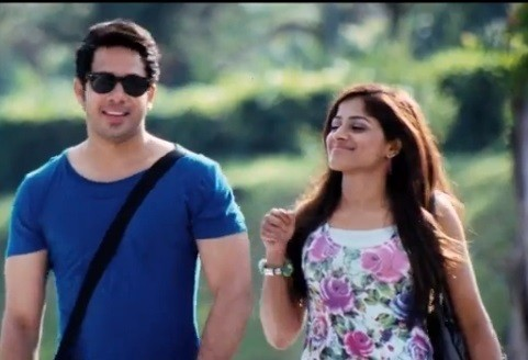 "Bharath in ""Ainthu Ainthu Ainthu"" (Screenshot from YouTube)"