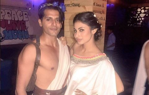 Naagin 2 actor Karanvir Bohra completes Mouni's Nachna Aunda Nahin challenge by dancing in busy road