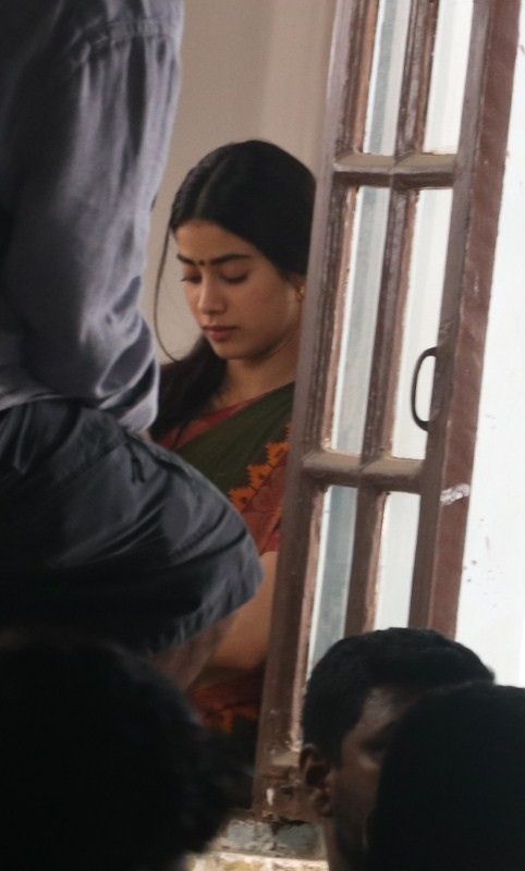 Janhvi Kapoor,Sridevi daughter Janhvi Kapoor,Sridevi daughter,Janhvi Kapoor returns,Dhadak,Janhvi kapoor dhadak,Dhadak on the sets,Janhvi Kapoor pics,Janhvi Kapoor images