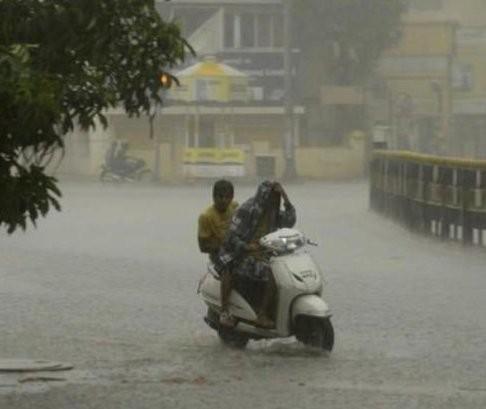 Heavy rain,Heavy rain in Delhi,Delhi water-logging,Delhi Heavy rain,water-logging in Delhi