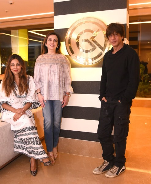 Nita Ambani,Gauri Khan's design store,Shah Rukh Khan and AbRam,Shah Rukh Khan,AbRam,Shah Rukh Khan with AbRam