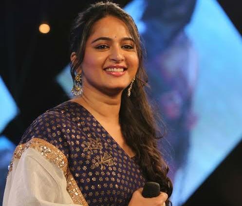 Anushka at 'Baahubali' trailer release event.