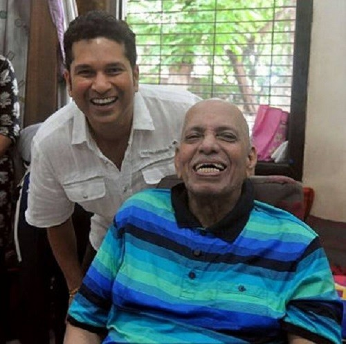 Sachin Tendulkar,Sachin tendulkar photos,Sachin tendulkar pays respected to childhood coach,Ramakant Achrekar,Guru Purnima,Guru,Sachin tendulkar childhood coach,Photo,Sachin photos,tendulkar photos,Tendulkar