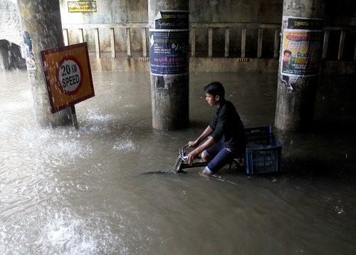 Heavy rain batters Chennai,Heavy rain in Chennai,chennai heavy rain,#Chennairains,chennai rains,Heavy rain
