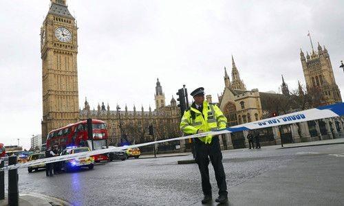 Guns and Weapons,World News,Terrorism,UK Parliament,UK Parliament attack,UK Parliament terror attack,UK Parliament attack pics,UK Parliament attack images,UK Parliament attack photos,UK Parliament attack stills,UK Parliament attack pictures