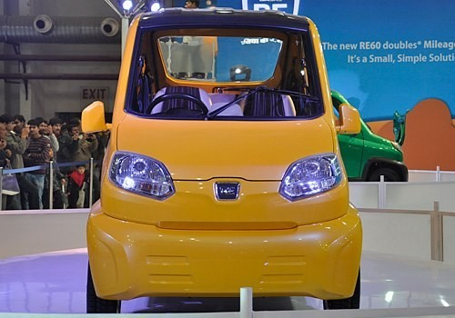 Bajaj Auto to Roll Out 5,000 units of 'quadricycle' RE-60