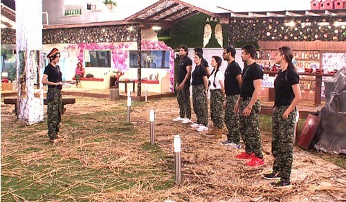 Bigg Boss 7 Inmates involved in the commando task (colors video screenshot)