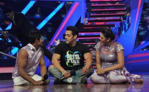 Salman Khan with the contestant of Nach Baliye
