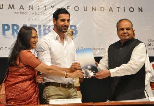 John Abraham at NGO event (Varinder Chawla)