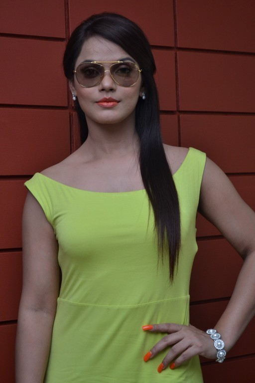 Neetu Chandra,actress Neetu Chandra,south indian actress Neetu Chandra,Neetu Chandra latest pics,Neetu Chandra latetst images,actress pics,south indian actress
