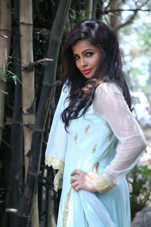 Haashika Dutt,actress Haashika Dutt,Haashika Dutt pics,Haashika Dutt images,Haashika Dutt photos,Haashika Dutt stills,Haashika Dutt pictures