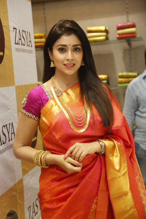 Shriya Saran,actress Shriya Saran,Shriya Saran Latest Pics,Shriya Saran Latest images,Shriya Saran Latest photos,Shriya Saran Latest stills,Shriya Saran Latest pictures