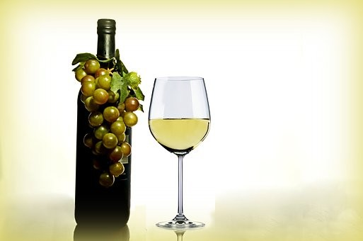 rosacea, white wine, women, alcohol, health,