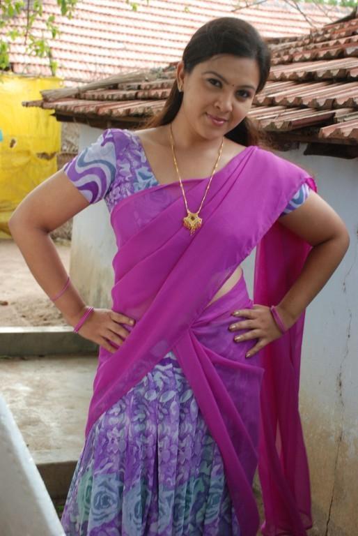 Sivappu Manithargal,tamil movie Sivappu Manithargal,Sivappu Manithargal movie stills,Sonia Hayden,actress Sonia Hayden,Sonia Hayden pics,Sonia Hayden images