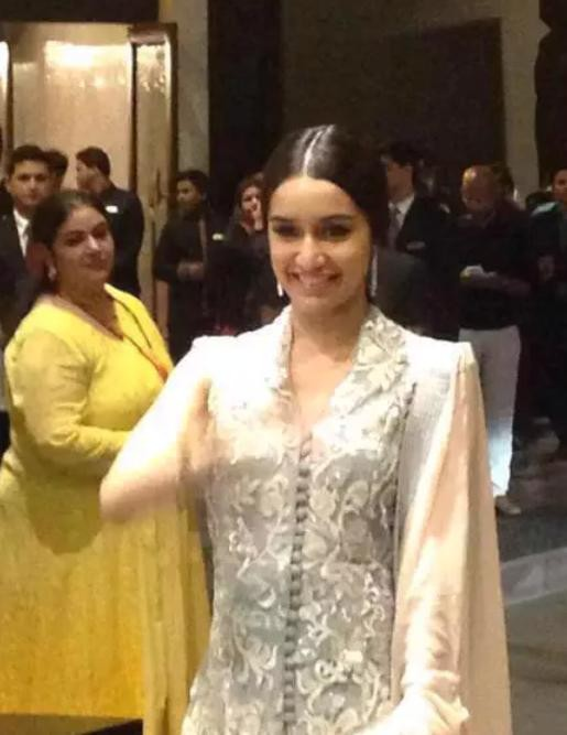 Shraddha Kapoor at Shahid Kapoor Reception,Shraddha Kapoor,actress Shraddha Kapoor,Shahid Kapoor Reception,Shahid Kapoor Wedding Reception,Shraddha Kapoor latest pics,Shraddha Kapoor latest images,Shraddha Kapoor latest photos,Shraddha Kapoor latest still