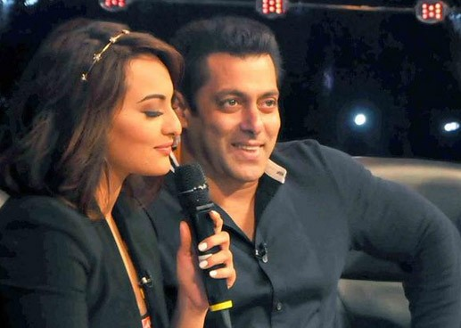 Salman Khan,Sonakshi Sinha,Salman Khan and Sonakshi Sinha at Indian Idol Junior sets,Salman Khan and Sonakshi Sinha,Indian Idol Junior sets,Indian Idol,Salman Khan and Sonakshi Sinha at Indian Idol