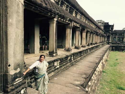 Asha Bhosle,Asha Bhosle singer,happy birthday Asha Bhosle,Asha Bhosle with celebs,Asha Bhosle photos,Asha Bhosle shows,Lata Mangeshkar,asha bhosle lata mangeshkar