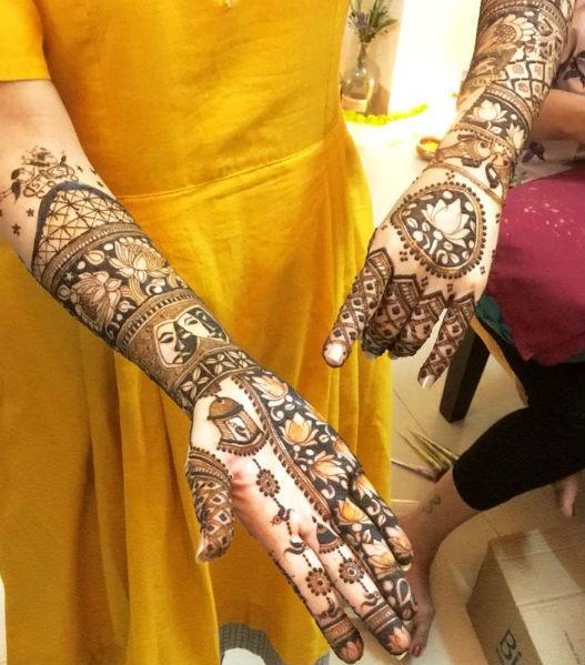 Shweta Tripathi,Shweta Tripathi Mehendi ceremony,Shweta Tripathi Mehendi ceremony pics,Shweta Tripathi Mehendi ceremony images,Shweta Tripathi Mehendi ceremony stils,Chaitanya Sharma,Shweta Tripathi wedding,Shweta Tripathi marriage