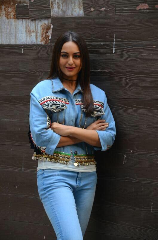 Sonakshi Sinha,actress Sonakshi Sinha,Noor promotion,Noor movie promotion,Noor promotion pics,Noor promotion images,Noor promotion stills,Noor promotion pictures