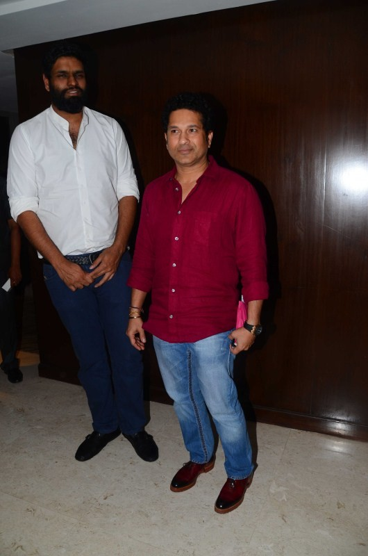 Sachin Tendulkar,Ravi Bhagchandka,Sachin: A Million Dreams media interaction,Sachin: A Million Dreams,Sachin: A Million Dreams media interaction pics,Sachin: A Million Dreams media interaction images,Sachin: A Million Dreams media interaction stills,Sachi