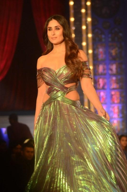 Actress Kareena Kapoor,Kareena Kapoor,Shades Of A Diva,Lakme Fashion Week,Lakme Fashion Week 2018,Lakme Fashion Week grand finale,Lakme Fashion Week finale