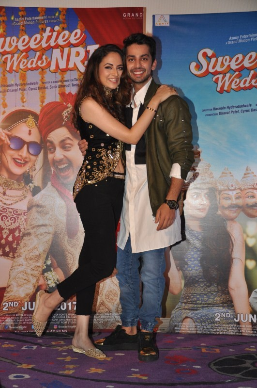 Himansh Kolhi and Zoya Afroz,Himansh Kolhi,Zoya Afroz,Sweetiee Weds NRI trailer launch,Sweetiee Weds NRI trailer,Sweetiee Weds NRI trailer launch pics,Sweetiee Weds NRI trailer launch images,Sweetiee Weds NRI trailer launch stills,Sweetiee Weds NRI traile