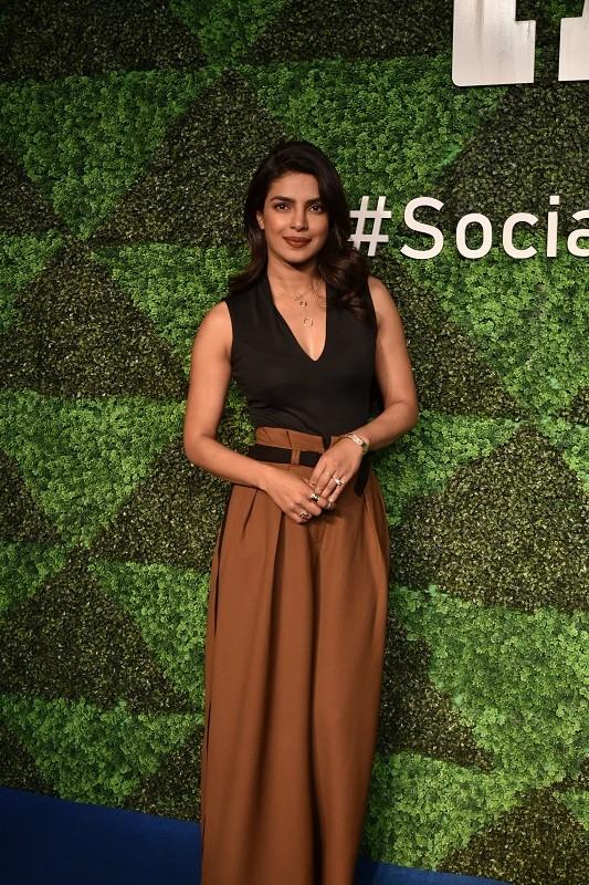Facebook,Instagram,Social For Good,#socialforgood,#MeToo,Priyanka Chopra,Ishaan Khattar,Diljit Dosanjh