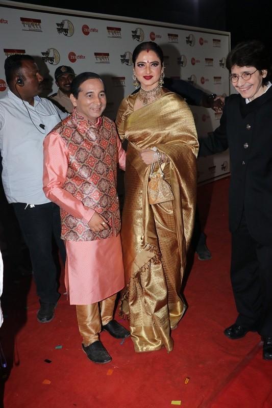 Kangana Ranaut,Kangana Ranaut manikarnika,Kangana ranaut movies,Rekha,rekha actress,Marathi Gaurav,saroj khan,who is saroj khan,choreographer Saroj Khan