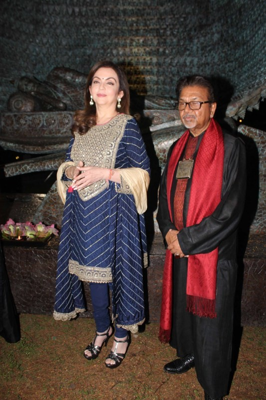 Sculptor Satish Gupta,Satish Gupta,Nita Ambani,The Silent Eternity,Inauguration of sculptor Satish Gupta show The Silent Eternity