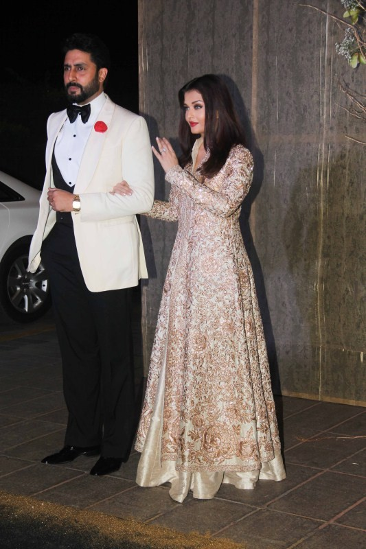 Aishwarya Rai,Abhishek Bachchan,Virat Kohli,Anushka Sharma,Aishwarya Rai and Abhishek Bachchan,Virat Kohli and Anushka Sharma,Virat Kohli and Anushka Sharma at Manish Malhotra birthday bash,Manish Malhotra birthday bash,Manish Malhotra 50th birthday bash