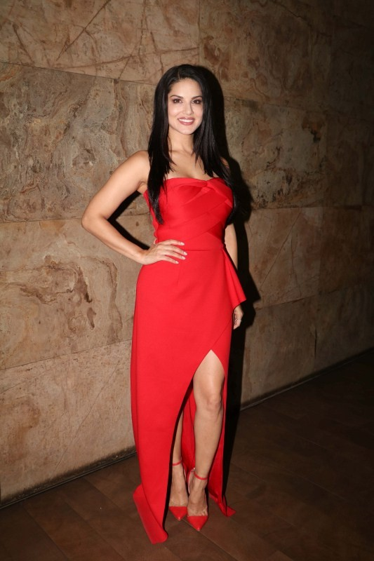 Sunny Leone Promotes Laila Main Laila Song From Raees -3822