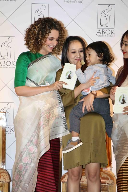 Kangana Ranaut,actress Kangana Ranaut,Between the Poet and Her Pencil,Kangana Ranaut launches book,Kangana Ranaut new pics,Kangana Ranaut new images,Kangana Ranaut new photos,Kangana Ranaut new stills,Kangana Ranaut new pictures